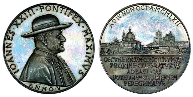 Ватикан Медаль Паломничество папы Иоанна XIII в Лорето и Ассизи 1962 (серебро, диаметр 44 мм), цена 24-30 евро