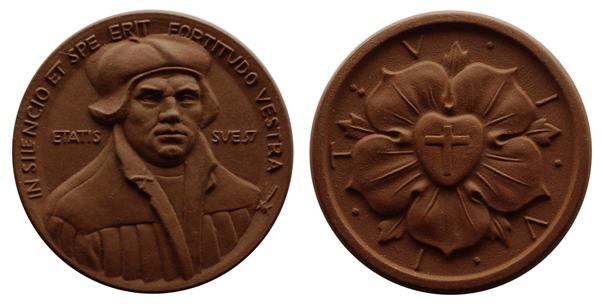 Германия Медаль Мартин Лютер (керамика, диаметр 43 мм), цена 5.5-7 евро