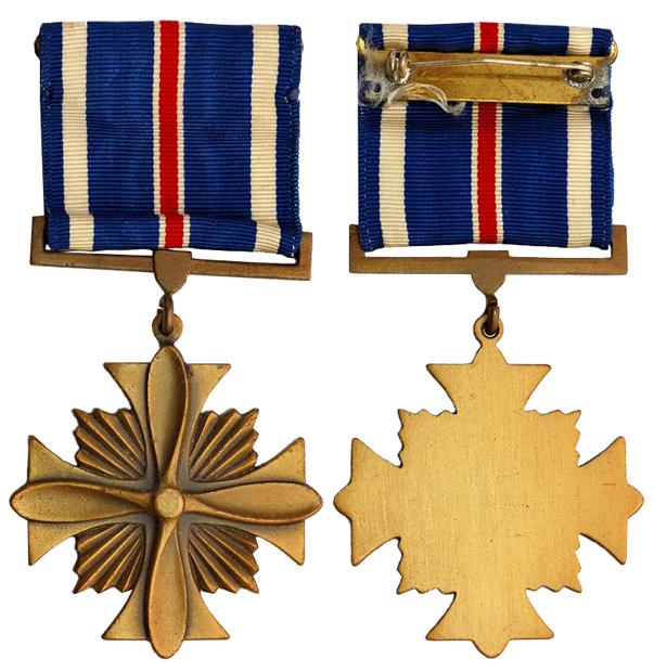 США Крест За отличие в ВВС (бронза, 43 Х 43 мм), цена 8-10 долларов